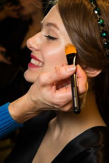Dolce & Gabbana Fall 2015 Ready-to-Wear Fashion Show Beauty Full, Fashion Show, Fashion Design, Beauty Trends, Modern Luxury, Fall 2015, Branding Design, Ready To Wear, Lipstick