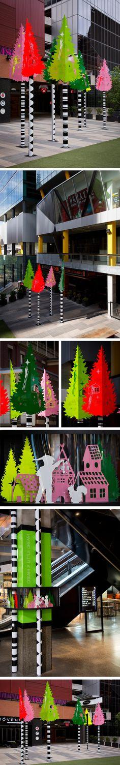 """Inspirational Modern Christmas Trees for Indoors/Outdoors"", pinned by Ton van… Christmas Window Display, Christmas Diy, Christmas Decorations, Xmas, Holiday, Modern Christmas, Green Christmas, Christmas Trees, Metal Tree"