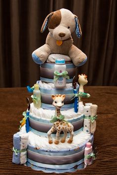 Baby boy diaper cake, gotta build this today Cadeau Baby Shower, Idee Baby Shower, Mesas Para Baby Shower, Shower Bebe, Baby Boy Shower, Baby Shower Gifts, Baby Gifts, Baby Cakes, Baby Shower Cakes