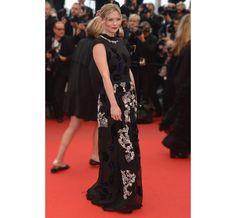Cannes 2013 - Kirsten Dunst in Michael van der Ham - Day 5 (montée des marche Inside Llewyn Davis)