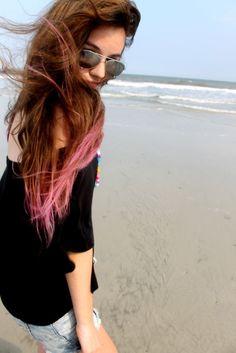 Brown hair, peekaboo pink ombré