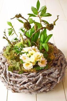 diy fr hlingskorb nat rlich dekoriert fr hling easter easter flowers und flowers. Black Bedroom Furniture Sets. Home Design Ideas