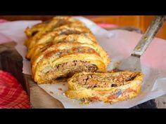 Μελιτζανόπιτα ρολό με κιμά και μανιτάρια. Απλά πεντανόστιμη! - YouTube Happy Foods, Greek Recipes, Meatloaf, Banana Bread, French Toast, I Am Awesome, Food And Drink, Yummy Food, Sweets