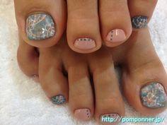 ドットとお花のフットネイル Foot Nail and flower dot