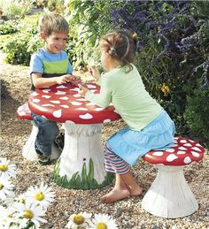 Mushroom Table & Chairs for the deck - so cute!