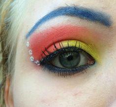 Sailor Moon inspired make up by http://jessica-cosmetics-fairy.blogspot.de/2015/06/blogparade-sailor-moon.html