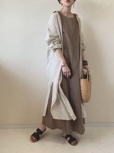 Japanese Minimalist Fashion, Minimal Fashion, Iranian Women Fashion, Korean Fashion, Womens Fashion, Modest Fashion, Hijab Fashion, Minimal Dress, Stylish Dress Designs