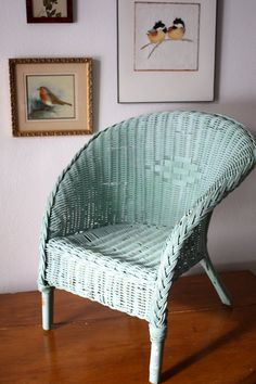 love the color of this chair