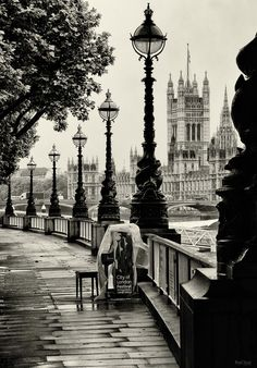 London | Black & White