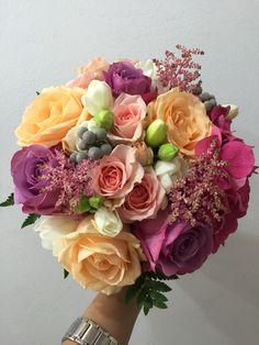Buchet mireasa Flower Decorations, Art Decor, Floral Wreath, Wedding Ideas, Wreaths, Hair Styles, Flowers, Beautiful, Hair Plait Styles