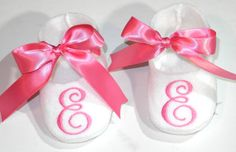 Monogram Baby shoes - White Personalized Baby Booties - Hot Pink Ribbon - Shoes Baby on Etsy, $22.95