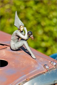 Art Deco truck hood ornament, 1933
