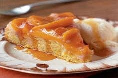 Peach Upside-Down Cake When you add a little bit of sugar to the peaches in this dessert, a caramelized glaze forms on the topping. Using low-fat buttermilk and a little lemon rind in the cake creates a slightly tangy base for the decadent fruit topping. Peach Upside Down Cake, Pineapple Upside Down Cake, Food Cakes, Cupcake Cakes, Cupcakes, Cake Recipes, Dessert Recipes, Dessert Healthy, Sweet Recipes