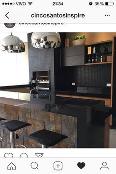 Browse photos of Small kitchen designs. Discover inspiration for your Small kitchen remodel or upgrade with ideas for organization, layout and decor. Black Kitchens, Luxury Kitchens, Cool Kitchens, Kitchen Black, Küchen Design, Home Design, Interior Design, Casas Interior, Design Ideas