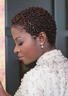 Comb Twist Hairstyles for African American Black Women Coiling Natural Hair, Natural Hair Twa, Natural Hair Twists, Pelo Natural, Short Hair Twist Styles, Braid Styles, Short Hair Cuts, Curly Hair Styles, Pelo Afro