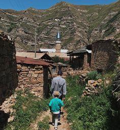 "389 Likes, 3 Comments - Республика Дагестан (@republic_of_dagestan) on Instagram: ""Фото: @zagid.ramazanov По старым переулкам Кахиба, Шамильский район. . #photo_dagestan #caucasus…"""