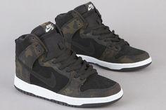 Nike SB Dunk Hi Iguana Camo