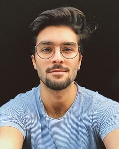 Were about to blow your mind with the best pomade for men. These heavily tested hair pomade products offer medium to high hold and a low to high shine. Mens Pomade, Hair Pomade, Stylish Glasses For Men, Men With Glasses, Glasses Man, Cool Glasses, Marcello Alvarez, Hair Gel For Men, Lunette Ray Ban