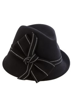 Strum Full Circle Hat. This black hat was a glamorous companion during your first solo gig, so it only makes sense to wear it on your return to your favorite venue! #black #modcloth