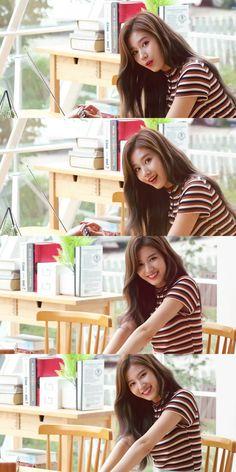 Ohhhh no sana.so beautiful Kpop Girl Groups, Korean Girl Groups, Kpop Girls, Nayeon, Snsd Yuri, Sana Cute, Twice Photoshoot, Twice Album, Sana Minatozaki