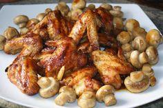 Las alitas de pollo siempre resultan ricas. Lo mejor es hacerlas de manera que se tueste la piel y que por dentro se quede la carne jugosa y se deshaga en la boca. Esta receta que os presento hoy, suelo hacerla con costilla de cerdo, pero hay recetas que quedan...