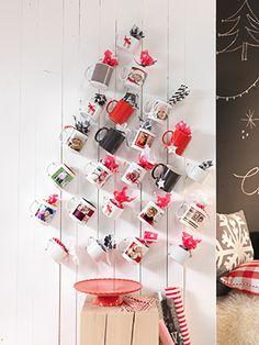Adventskranz aus Tassen: kreativ und mit gaaanz viel Platz für Naschereien :) #DIY #Weihnachten