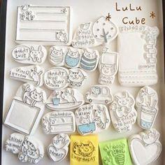 消しゴムはんこ | 消しゴムはんこ *LuLu Cube* Cubes, Eraser Stamp, Planner Doodles, Diy And Crafts, Paper Crafts, Stamp Carving, Handmade Stamps, Fabric Stamping, Diy Cards
