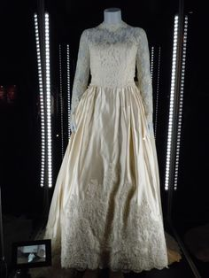 """""""In the 1991 remake of the Spencer Tracy comedy remake, Steve Martin stars as the Father of the Bride. This is the wedding dress of worn by his on-screen daughter 'Annie Banks', played by Kimberly Williams."""""""