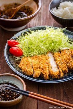 Tonkatsu, is a Japanese food which consists of a breaded, deep-fried pork cutlet. Tonkatsu originated in Japan in the century. Easy Japanese Recipes, Japanese Dishes, Japanese Food, Japanese Salad, Pork Recipes, Asian Recipes, Cooking Recipes, Healthy Recipes, Game Recipes
