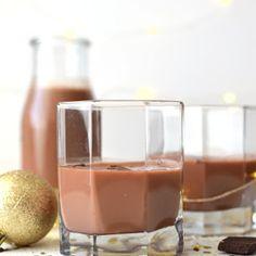 Cómo hacer cáscaras de naranja confitada | Bizcochos y Sancochos. Chocolate Coquito Recipe, Blackberry Syrup, Personal Taste, Clean Eating Snacks, Rum, Panna Cotta, Alcoholic Drinks, Easy Meals, Alcohol Punch