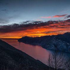 Al tramonto dall'alto del lago