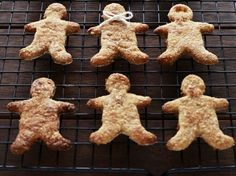 There is something so special about Christmas baking, especially with the kids. Just because you are on a healthy eating diet plan, doesn't mean you have to miss out on the baking and the eating. These gingerbread men have NO ADDED SUGAR. I kid you not. The sweetness comes from …