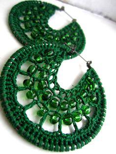Crocheted hoops with beads...  Aros de crochet con cuentas preciosas...