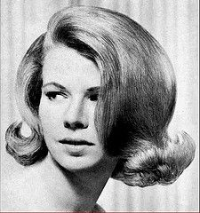 American Hairdresser - Aug 1967 - Lynne - 2 (washsetstyle) Tags: hair 1967 bouffant hairstyles hairdos americanhairdresser wet set at the hairdr. Classic Hairstyles, Retro Hairstyles, Wig Hairstyles, Woman Hairstyles, Medium Hairstyles, Little Girl Boots, Musical Hair, Helmet Hair, Hair Flip