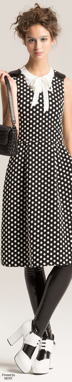 Shop Armani at Harrods and earn Rewards points, in-store and online. Dots Fashion, Fashion 2017, Womens Fashion, Fashion Design, Fashion Trends, Emporio Armani, Giorgio Armani, Armani Collection, Black White Fashion