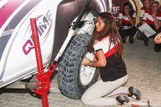 Cristina Gutiérrez, embajadora :DriveSmart, ¡no necesita que nadie le ayuda a cambiar una rueda!
