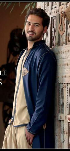 Kaftan Men, Empire Characters, Nehru Jackets, Muslim Men, Arab Men, Moroccan Style, Mens Fashion, Fashion Outfits, Traditional Outfits