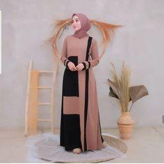 Muslim Fashion, Hijab Fashion, Fashion Dresses, Fashion Tips, Casual Hijab Outfit, Hijab Dress, The Dress, High Neck Dress, Mocca