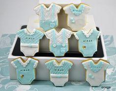 Estas son las galletas que preparé para el bautizo de mi sobrino Aimar. Son galletas de mantequilla decoradas con fondant de colores. Quedan unas galletas preciosas, tan tiernas que…da una pe…