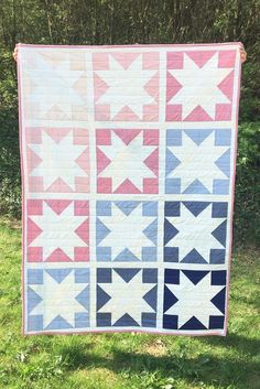 Spring Quilt Inside Out Star 2019 Sawtooth star quilt pattern. Easy quilt pattern for beginners. The post Spring Quilt Inside Out Star 2019 appeared first on Quilt Decor. Beginner Quilt Patterns, Star Quilt Patterns, Quilting For Beginners, Shirt Patterns, Star Quilt Blocks, Star Quilts, Easy Quilts, Texas Star, Quilt Baby