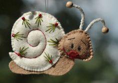 Kerst Slakje Vilt | Handwerkpakket | zelfmaakpakket | Atelier Wilma Creatief