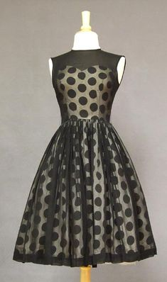 Vintage Formal Wear - Page 1 : I would polka in polka dots, I would never be mousey tho you could call me Minnie. Vintage Outfits, Vintage Dresses, Vintage Fashion, Vintage Clothing, 1960s Dresses, Women's Fashion, Dresses Dresses, Fashion Models, Evening Dresses
