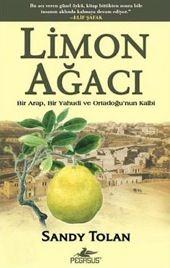 Genç Arap Batı Kudüs otobüs terminalinin tuvaletinde aynaya doğru yaklaştı. Beşir Khairi bir dizi porselen lavabonun önünde yalnız başına duruyordu, eğildi ve kendisine dikkatle baktı. Saçlarını ve kravatını düzeltti, iyi tıraş edilmiş yüzünü çimdikledi. Bütün bunların gerçek olduğundan emin olmak istiyordu.   /   Limon Ağacı (the Lemon Tree) - Sandy Tolan - Çeviren: Özkan Özdem Best Books To Read, Books To Buy, Good Books, My Books, Movie Place, English, Book Lists, Book Worms, Pegasus