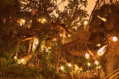Real functioning tree houses = my ultimate dream home. Tree Lighting, Tarzan, Cool Tree Houses, House Trees, Amazing Houses, Fairy Houses, Dream Houses, Tiny Homes, Beautiful Places