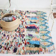 Si estás pensando en darle un toque étnico o colorido a tu casa, te hablamos sobre dos de las alfombras marroquíes más icónicas. Su origen y sus características las hacen totalmente únicas.