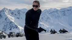 The first Spectre image has been released; the new James Bond film stars Daniel Craig, Ralph Fiennes, Christoph Waltz, Lea Seydoux, and Monica Bullcci. Daniel Craig James Bond, Daniel Craig Spectre, James Bond 25, James Bond Movies, Craig Bond, James Bond Suit, Christopher Nolan, 007 Contra Spectre, Spectre Movie