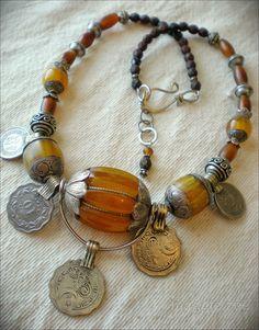 maggie zee  Tibetan amber amulet necklace
