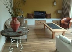 TV-meubel, bijzettafeltjes en salontafel van CustomThijs