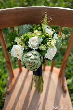 Artichoke Wedding Flowers // Artichoke Bouquet // Wedding Photographer // Tanis Katie Photography // www.taniskatie.com