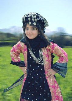 Kurdish girls:  she is beautiful.
